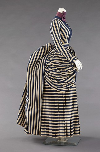Walking dress, 1885-1888. Metropolitan Museum of Art, 60.38.7